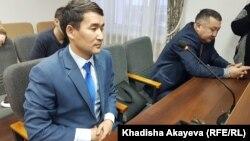 Активист из города Семей Восточно-Казахстанской области Ерсын Кудияров (на переднем плане), глава общественного фонда CIVI, в суде. Усть-Каменогорск, 4 февраля 2020 года.