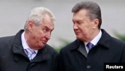 Президенти України і Чехії Віктор Янукович (п) і Мілош Земан