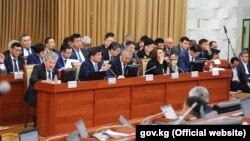 Члены правительства в парламенте. 29 ноября 2018 года.