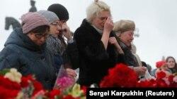 К сожалению, такие трагедии ограничиваются лишь слезами, а не реформами