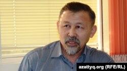 Есенбек Уктешбаев, председатель общественного объединения «Оставим народу жилье». 13 ноября 2013 года.