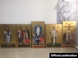 Иконы для будущего иконостаса.
