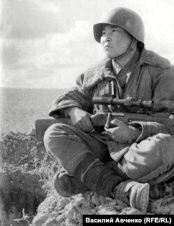 Снайпер Максим Пассар