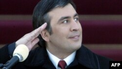 Михаил Саакашвили на церемонии инаугурации его в качестве президента Грузии. Тбилиси, 25 января 2004 года.