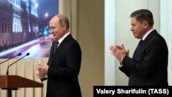 Верховный суд следует за обещанием президента России