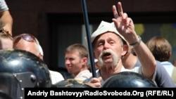 Митинг в защиту украинского языка у Украинского дома в Киеве, 5 июля 2012