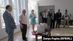 Министр иностранных дел Абхазии Вячеслав Чирикба на презентации книги