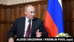 Президент Росії Володимир Путін в Абхазії, 8 серпня 2017 року