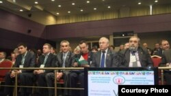 Федераль татар милли-мәдәни мохтарият конференциясендә катнашучылар, Казан, 19 март 2011 ел.
