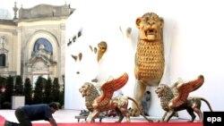 Венецианский фестиваль победил в конкуренции с Римским фестивалем, и сейчас его позиции прочны, как никогда