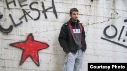 Данило Апостолски, активист во движењето за социјална правда Ленка.