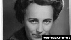 Scriitoarea Anne Desclos (pseudonime: Pauline Réage et Dominique Aury)