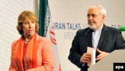 محمدجواد ظریف همراه با کاترین اشتون در کنفرانس خبری مشترک در وین-۲۰ فروردین