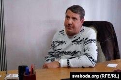 Пётар Кузьняцоў у рэдакцыі пасьля ператрусу ў кастрычніку 2020 году