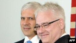Иво Јосиповиќ со српскиот колега Борис Тадиќ