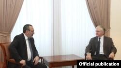 Հայաստանի և Լեռնային Ղարաբաղի ԱԳ նախարարները, արխիվ