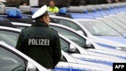 Дрезденская полиция оперативно нашла автомобиль, угнанный у министра внутренних дел ФРГ. Радовым жертвам автоугонщиков везет меньше