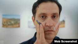 Ахтем Сеітаблаєв, режисер і актор. Скріншот з кліпу «Героям». Київ, серпень 2020