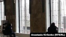 Охрана администрации Донецкой области - на всякий случай