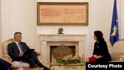 Presidentja e Kosovës Atifete Jahjaga dhe kryeministri Hashim Thaçi, foto nga arkivi