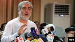 Кандидат в президенты Афганистана Абдулла Абдулла на пресс-конференции в Кабуле, 6 июля 2014 года.