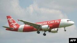 Самолёт авиакомпании AirAsia, архивное фото
