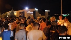 Armenia - Hundreds of people demonstrate outside the Harsnakar restaurant in Yerevan, 8Jul2012.