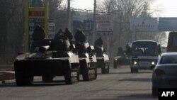 Ուկրաինայի զինված ուժերի տանկերը Արտյոմովսկից ուղևորվում են Դեբալցևո, 11-ը փետրվար, 2015թ․