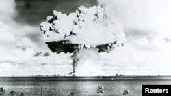 Ядерное испытание на атолле Бикини. Июль 1946 года.