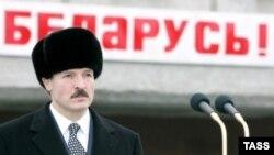 С российским газом по льготной цене и политической поддержкой Кремля Александр Лукашенко уверен в своем беспроблемном будущем