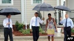 Միացյալ Նահանգների նախագահը եւ առաջին տիկինը աղետից 5 տարի անց այցելում են վերականգնվող Նոր Օռլեան, 29-ը օգոստոսի, 2010թ.