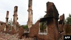 Разрушенное здание в Донецкой области, Украина, 23 сентября 2014 года.