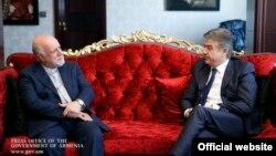 Премьер-министр Армении Карен Карапетян в своей резиденции в Тегеране принял министра нефти ИРИ Бижаном Зангане, 10 октября 2017 г․