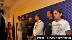 شش تبعه اسلواکی که پیشتر آزاد شده بودند