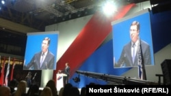Aleksandar Vučić na mitingu SNS u Novom Sadu