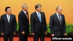 Саммит ШОС в Пекине, 7 июня 2012 года.