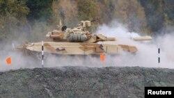 Rusiyanın T-90 tankı (Arxiv)