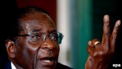 Зимбабве президенті Роберт Мугабе. Хараре, 2 сәуір 2005 жыл.