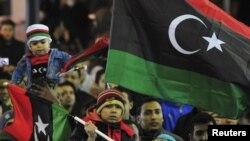 Populli feston njëvjetorin e fillimit të kryengritjes në Libi