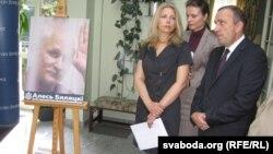Наталя Пінчук і экс-сьпікер польскага Сэйму Гжэгаж Схетына