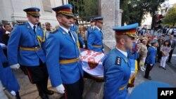 Архивска фотографија: Враќање на останките на принцот Павле Караѓорѓевиќ во Србија.