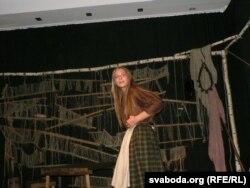 """Яанна Стэльмашук у манадраме """"Ja j u poli verboju rosła"""", Шчыты, 29 ліпеня 2011"""