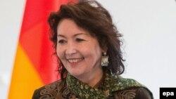 Рәисә Атамбаева