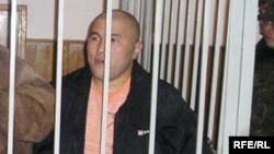 Курмангазы Утегенов, осужденный по «Шаныракскому делу» на 16 лет тюрьмы, в суде. Алматы, 5 октября 2007 года.