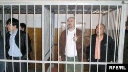 Подсудимые по делу Шанырака. Алматы, 5 октября 2007 года.