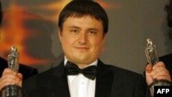 """Cristian Mungiu recompensat a doua oară după Premiul din 2007 pentru """"4 luni, 3 săptămîni și 2 zile"""""""