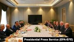 Встреча американской и турецкой делегаций в Анкаре.