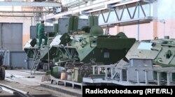 Ремонт корпусів БТР-80. Київський бронетанковий завод