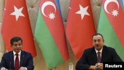 Ahmet Davutoğlu və İlham Əliyev