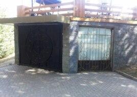 """Вход в клуб """"Студия 69"""". Алматы, 25 августа 2014 года."""